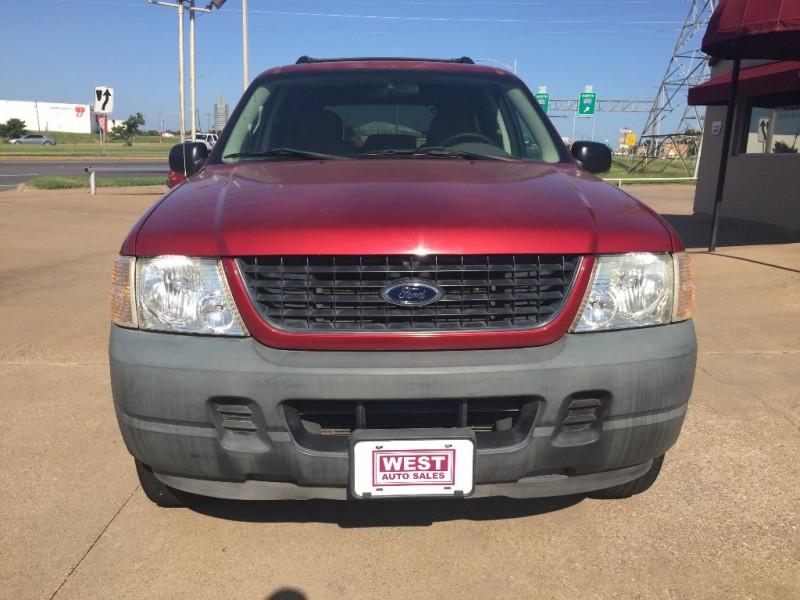 Ford Explorer 2005 price $4,000 Cash
