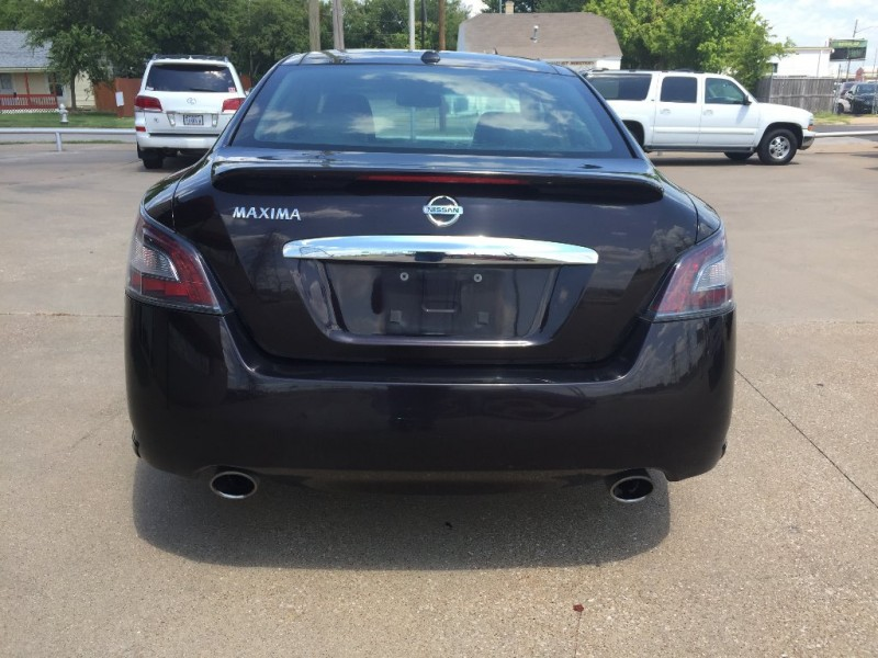 Nissan Maxima 2012 price $7,000 Cash