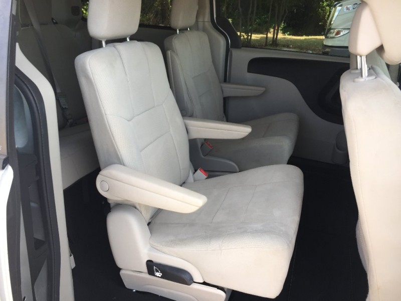 Dodge Grand Caravan 2012 price $5,000 Cash