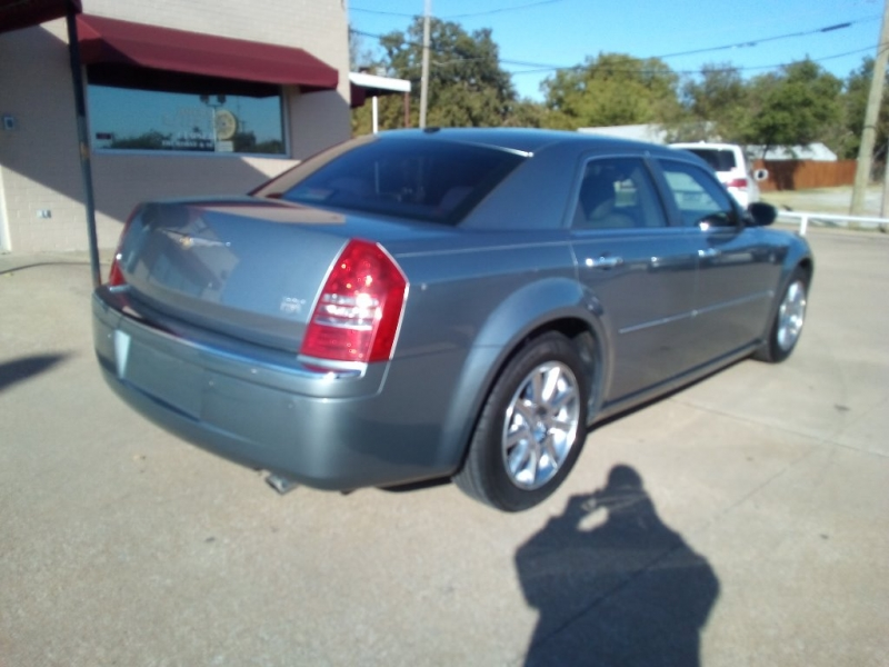 Chrysler 300 2007 price $6,000 Cash