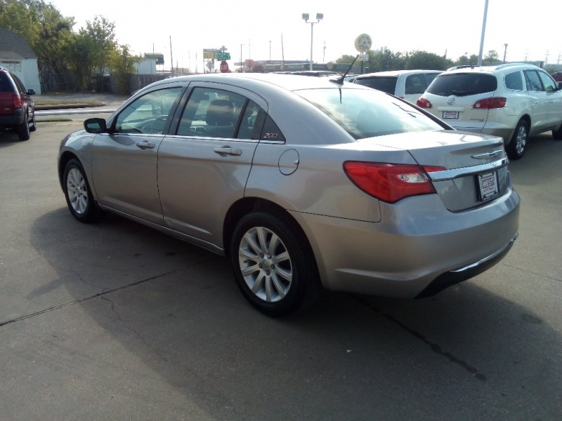Chrysler 200 2013 price $4,500 Cash