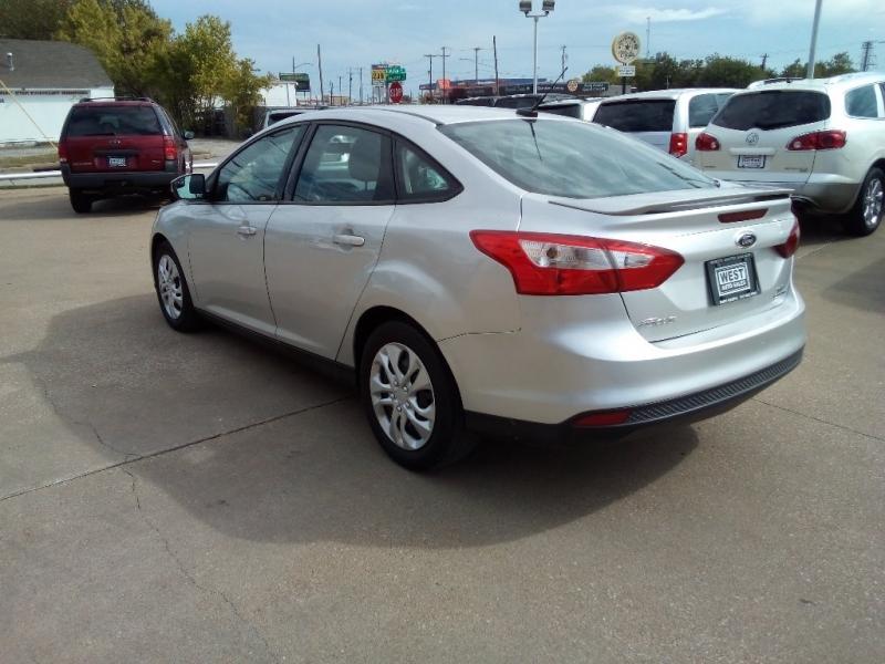 Ford Focus 2013 price $5,000 Cash