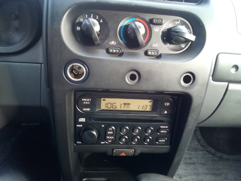 Nissan Frontier 2WD 2003 price $5,500 Cash