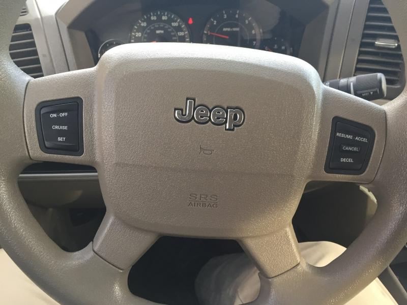 Jeep Grand Cherokee 2005 price $5,000 Cash