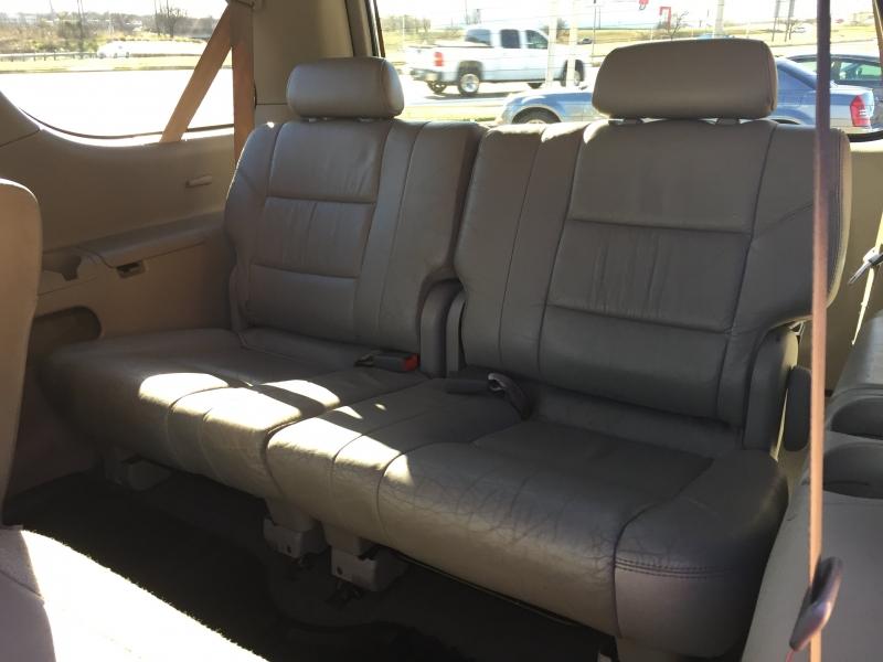 Toyota Sequoia 2002 price $3,250 Cash