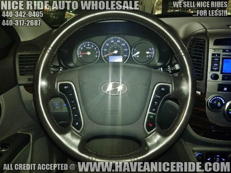 Hyundai Santa Fe 2011 price $5,900