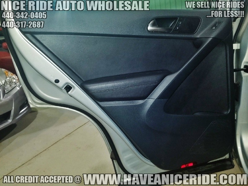 Volkswagen Tiguan 2010 price $7,500