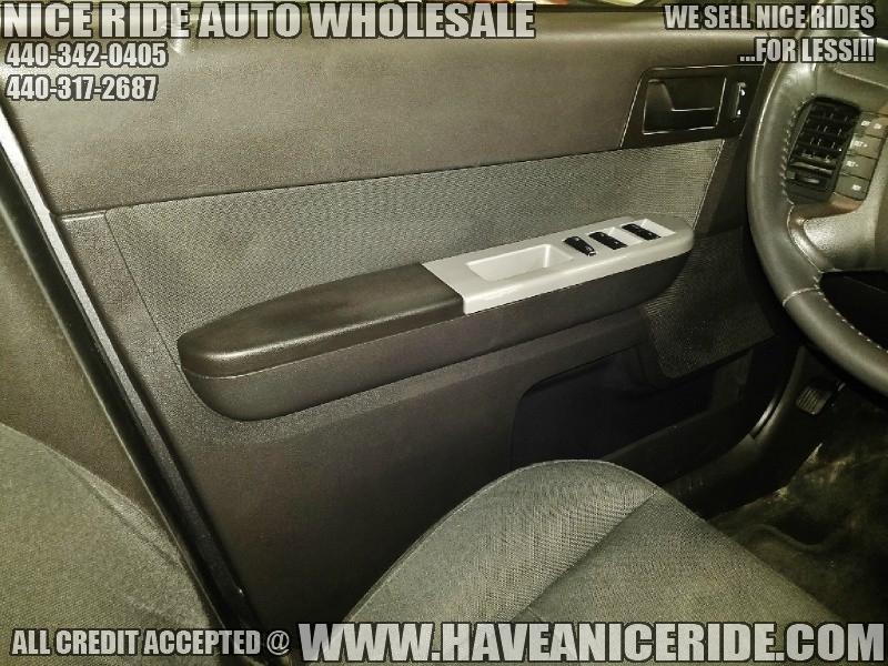 Ford Escape 2011 price $7,550