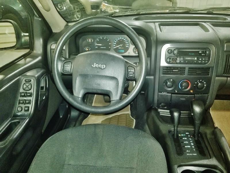 Jeep Grand Cherokee 2002 price $2,950