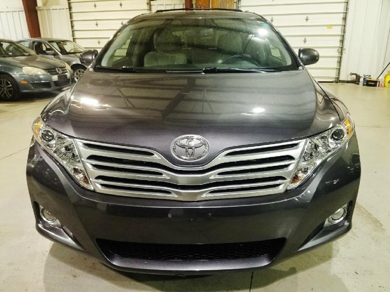 Toyota Venza 2010 price $12,900