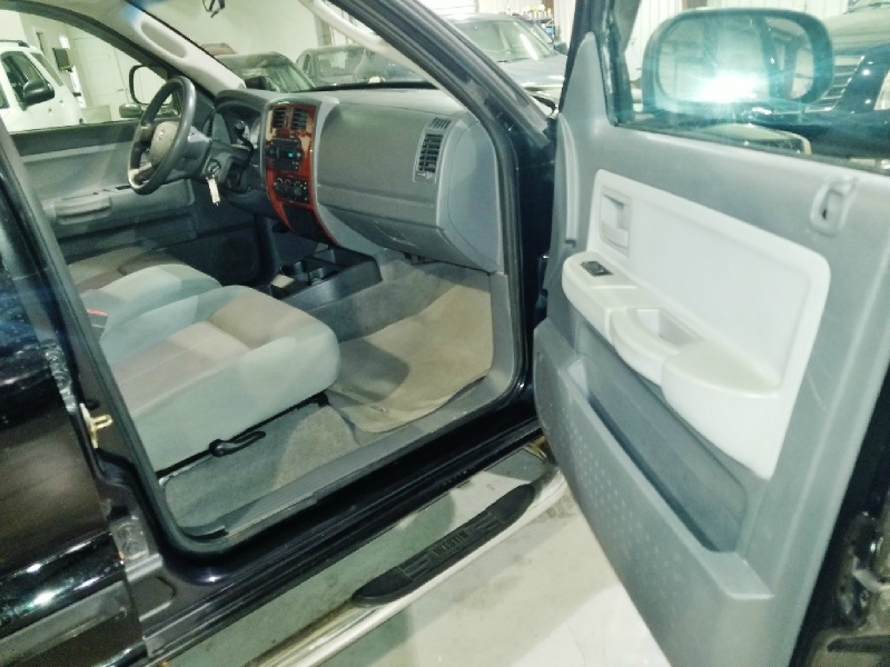 Dodge Dakota 2005 price $8,750