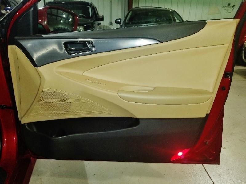 Hyundai Sonata Hybrid 2013 price $6,950