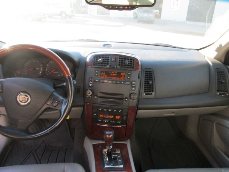 Cadillac SRX 2004 price $3,600