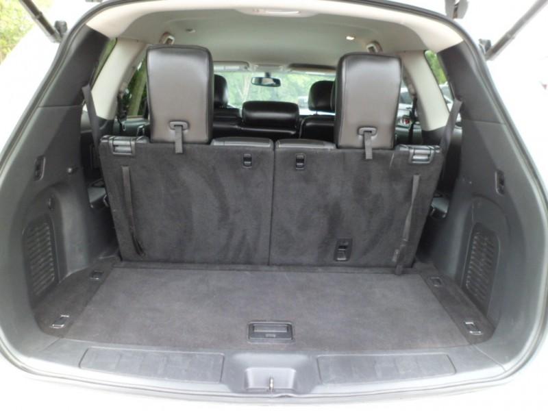 Nissan Pathfinder 2013 price $8,934