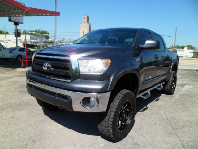 2013 Toyota Tundra 4WD Lifted