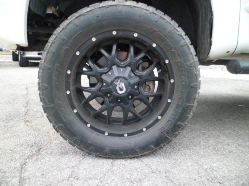 Nissan Titan 2012 price $14,995