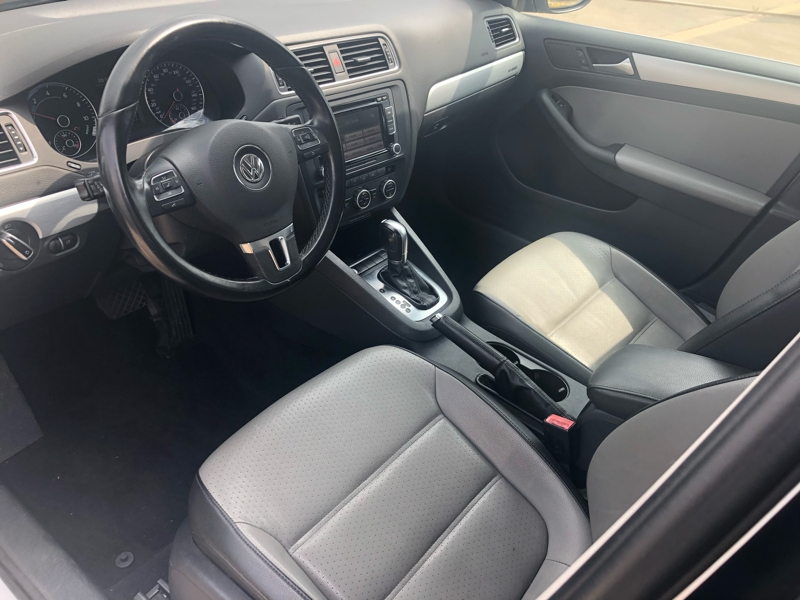 Volkswagen Jetta Sedan 2013 price $9,977