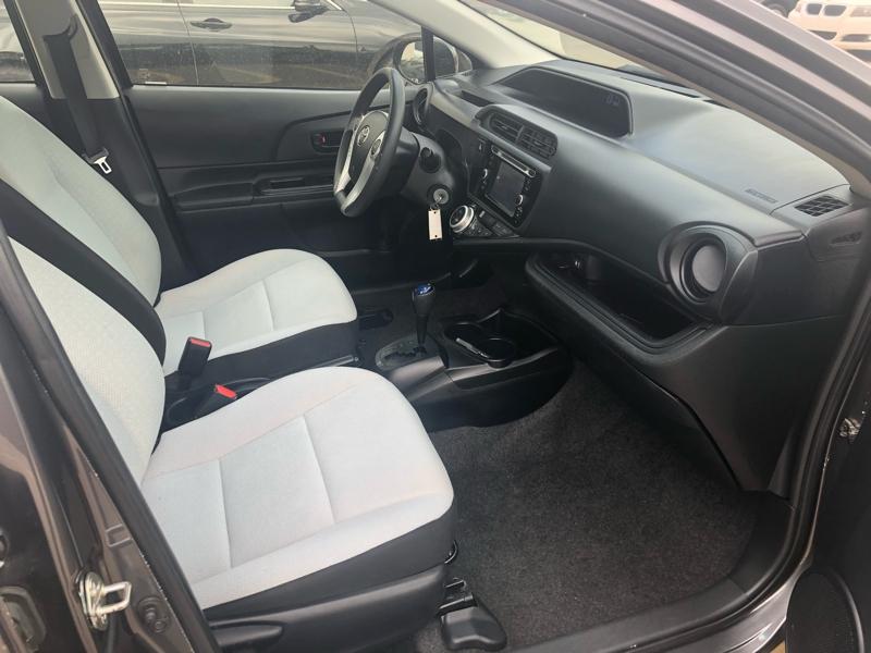 Toyota Prius c 2016 price $11,977