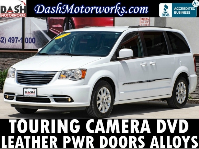 2014 Chrysler Town & Country Touring Leather DVD Camera
