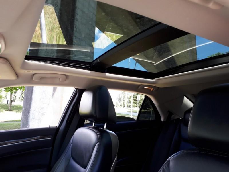 Chrysler 300 2017 price $23,995