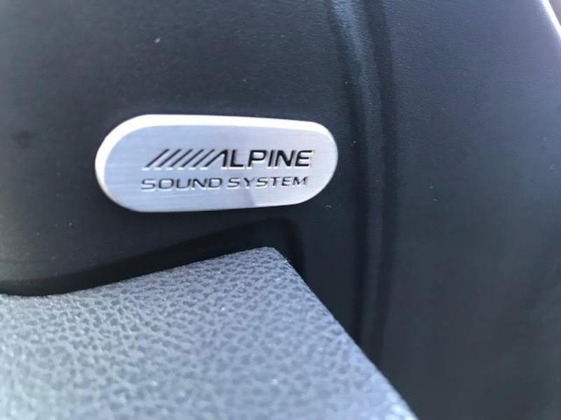 Chrysler 300-Series 2018 price $27,995