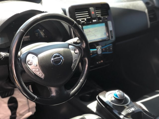 Nissan LEAF 2013 price $8,999