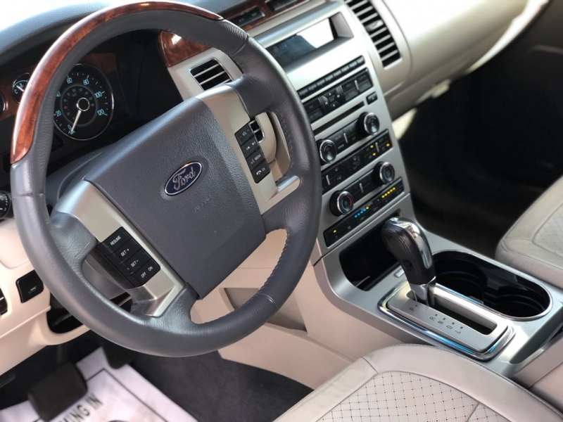 Ford Flex 2009 price $7,999