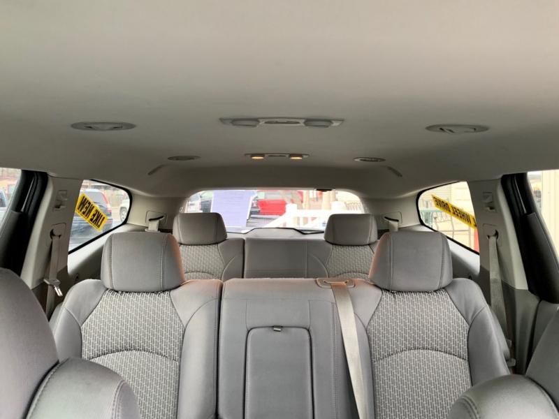 Chevrolet Traverse 2010 price $9,999