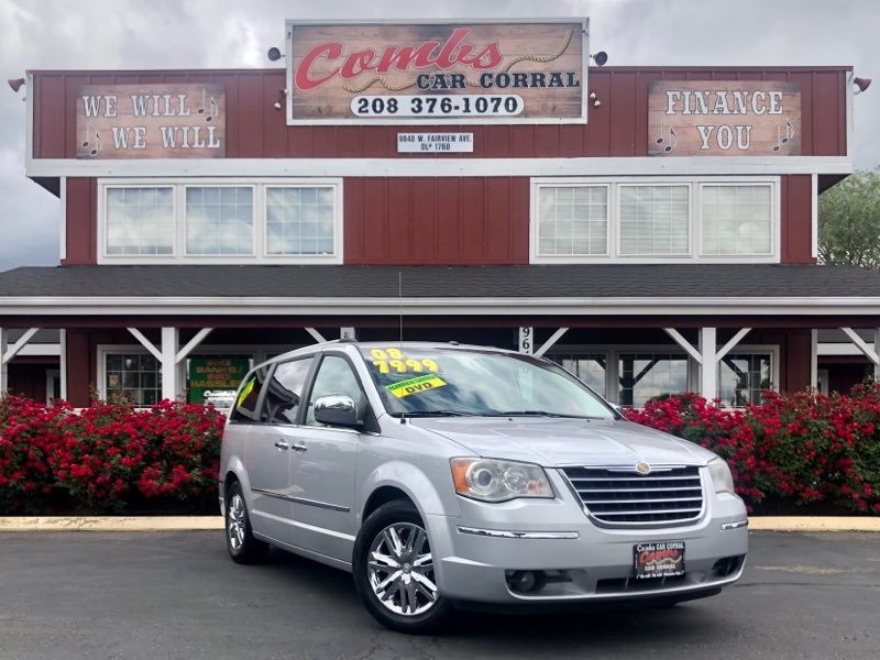 Chrysler Town & Country 2008 price $7,999