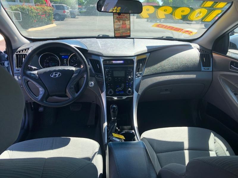 Hyundai Sonata 2011 price $10,999