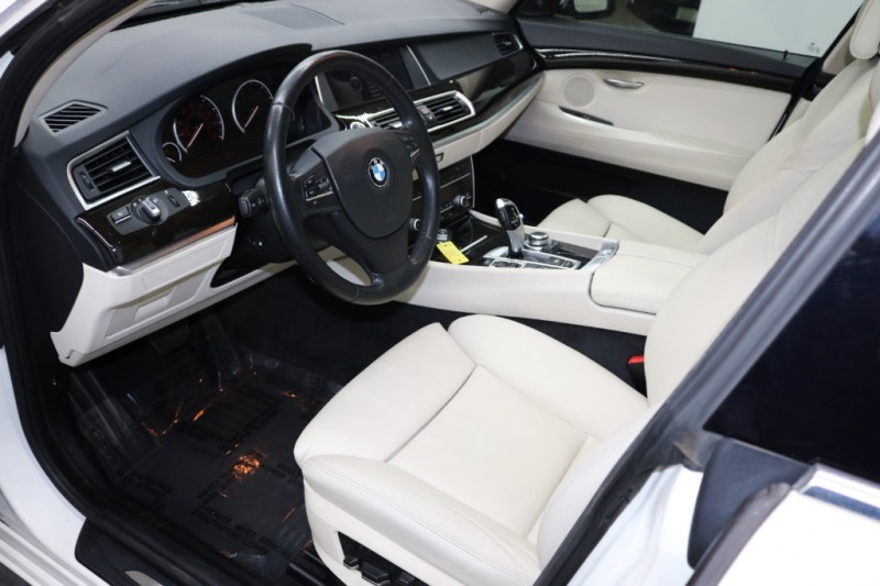 BMW 5 Series Gran Turismo 2012 price $13,393