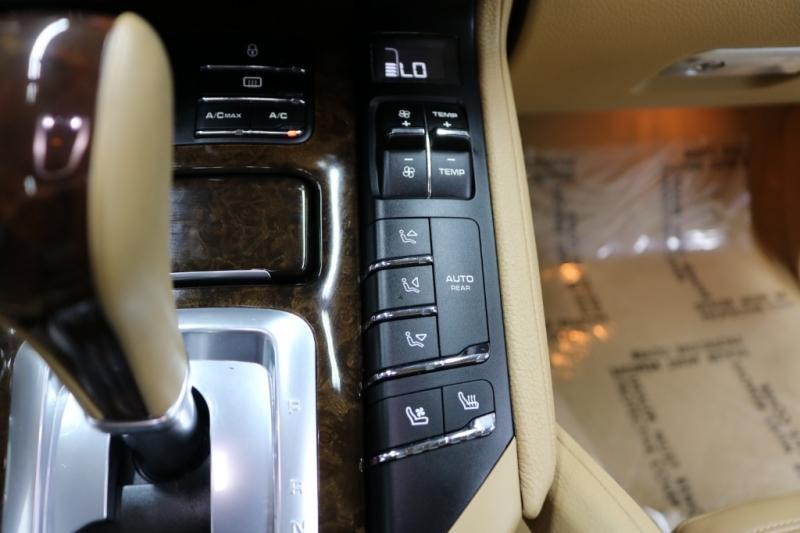 Porsche Cayenne 2013 price $21,992