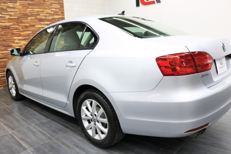 Volkswagen Jetta Sedan 2011 price $5,392
