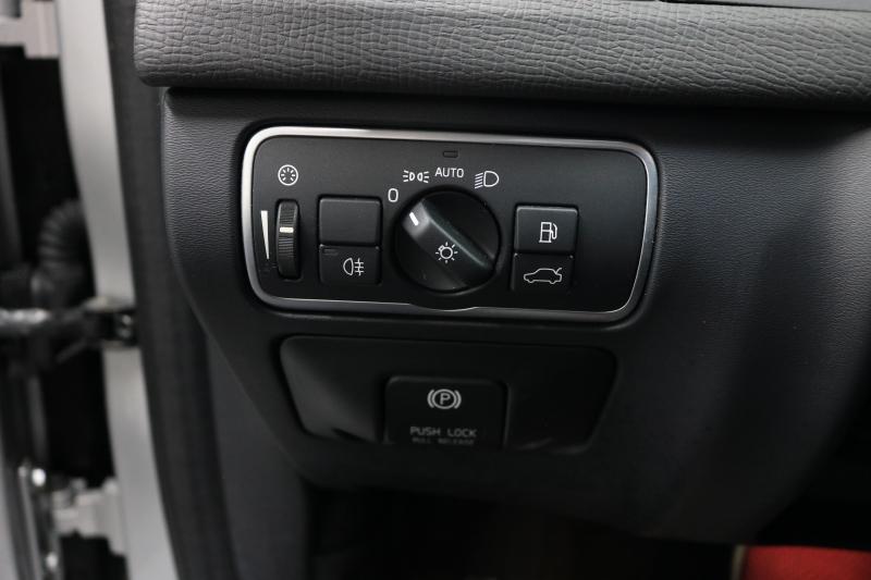 Volvo XC60 2015 price $10,991