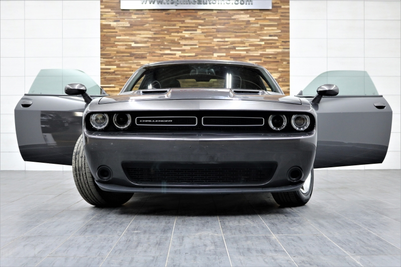 Dodge Challenger 2016 price $14,991
