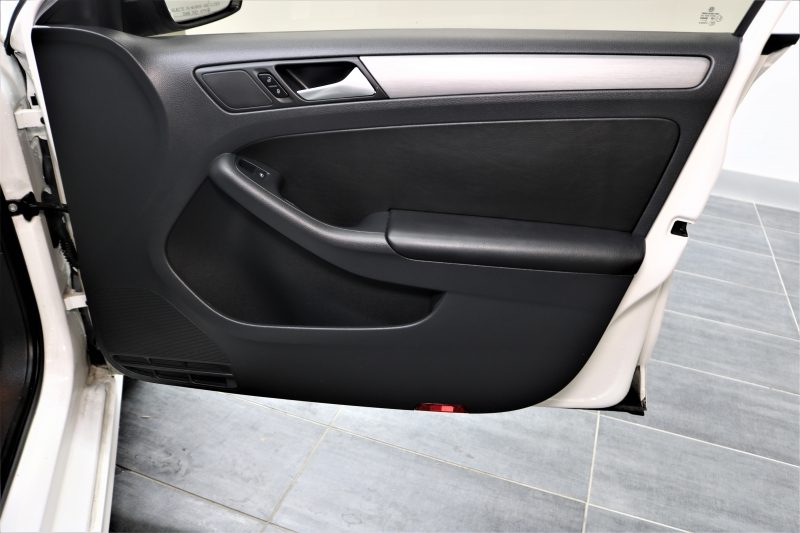 Volkswagen Jetta 2016 price $7,442
