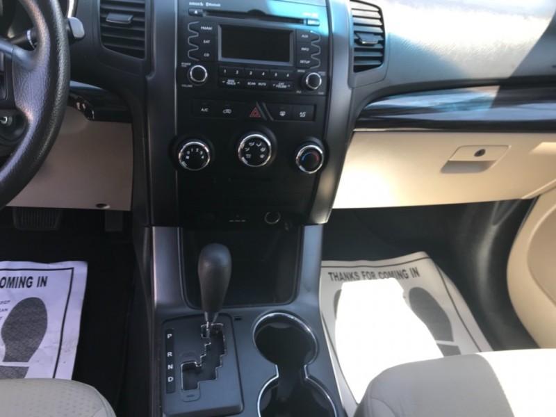 Kia Sorento 2011 price $10,995
