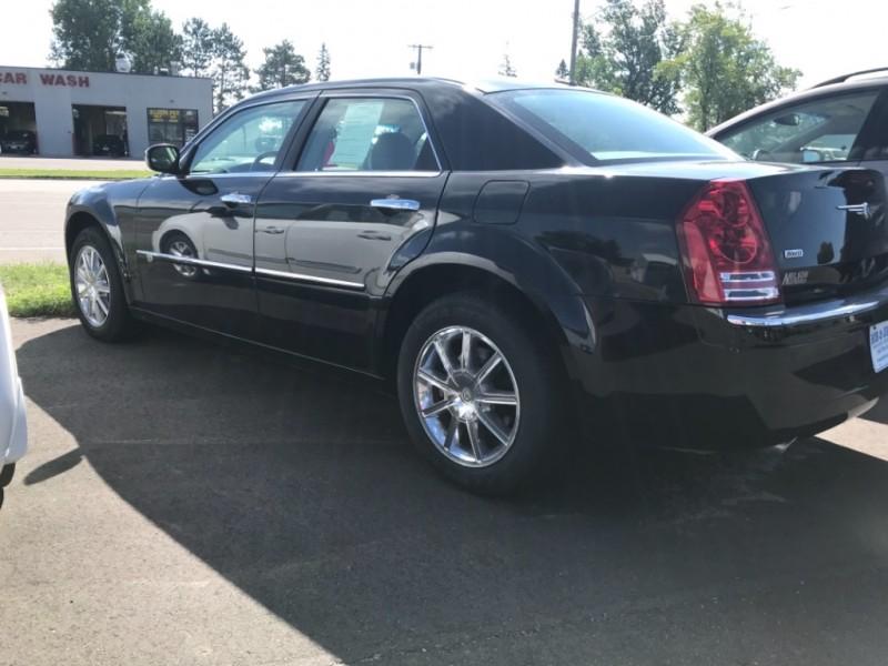Chrysler 300 2010 price $10,800