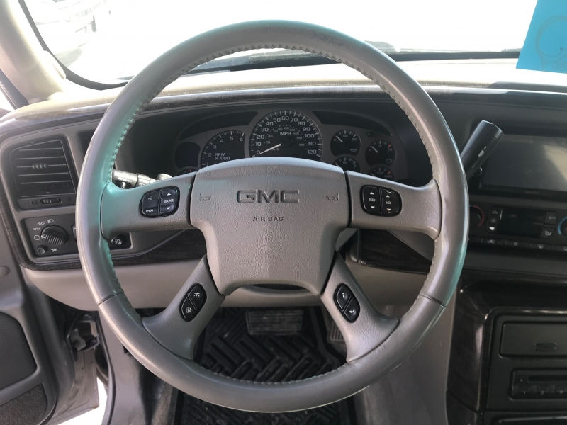 GMC Sierra Denali 2005 price $9,995