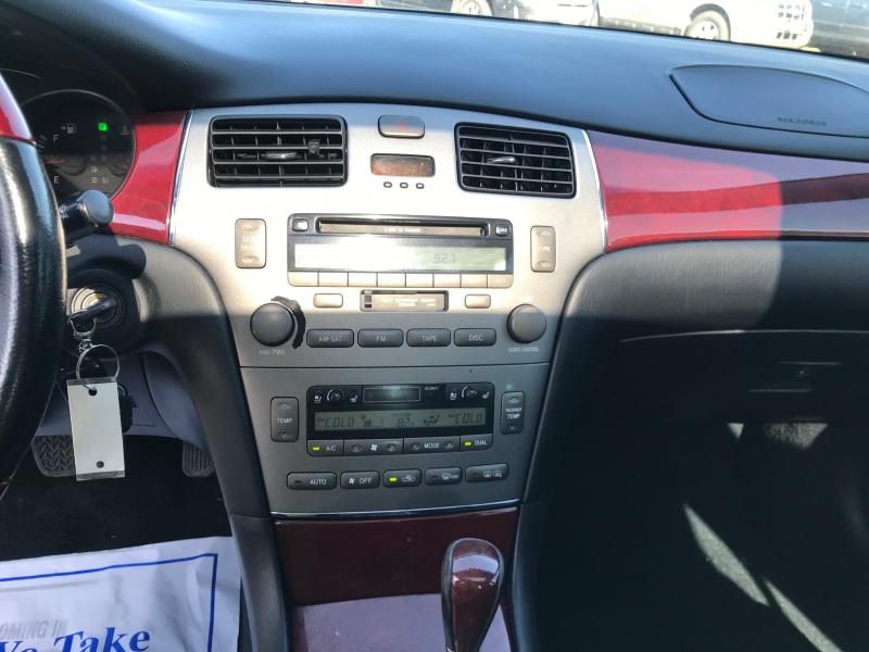 Lexus ES 330 2005 price $6,995