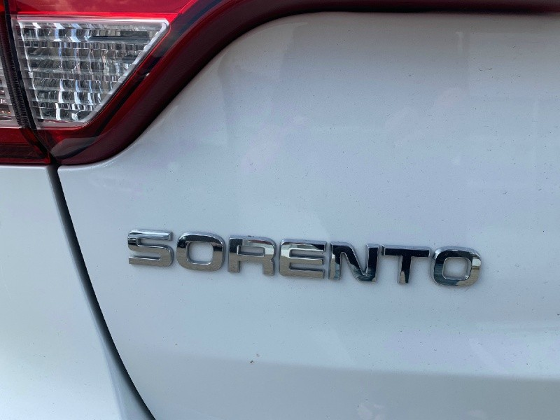 Kia Sorento 2014 price $12,900