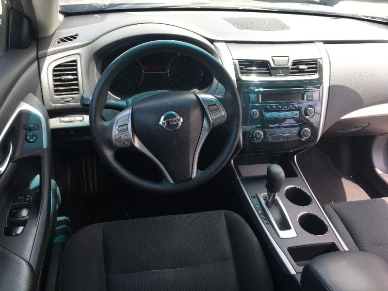 Nissan Altima 2015 price $15,999