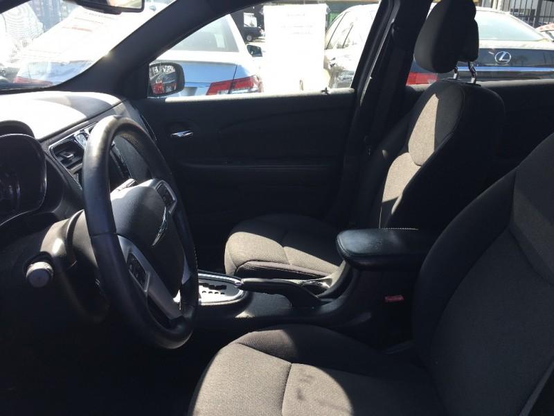 Chrysler 200 2013 price $13,999