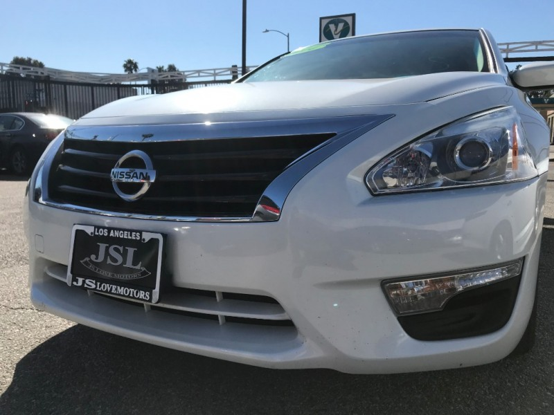 Nissan Altima 2014 price $15,299