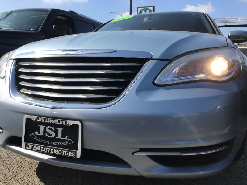 Chrysler 200 2012 price $12,499