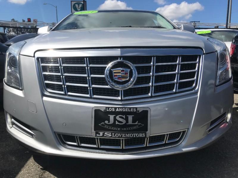 Cadillac XTS 2013 price $17,999