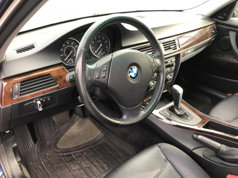 BMW 3-Series 2011 price $12,999