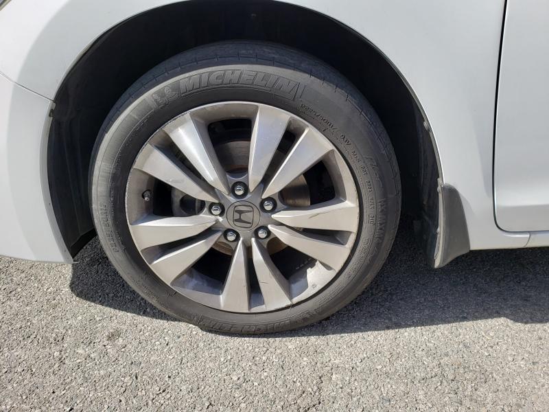 Honda Accord Cpe 2012 price $13,999