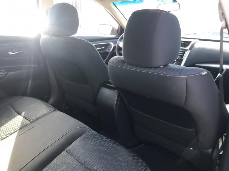 Nissan Altima 2016 price $15,999