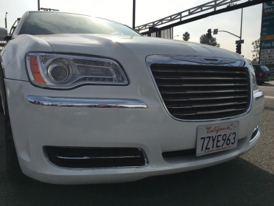 2013 CHRYSLER 300 SEDAN! PEARL WHITE!  SPACIOUS! $1,500 DRIVE OFF FALL SPECIAL!